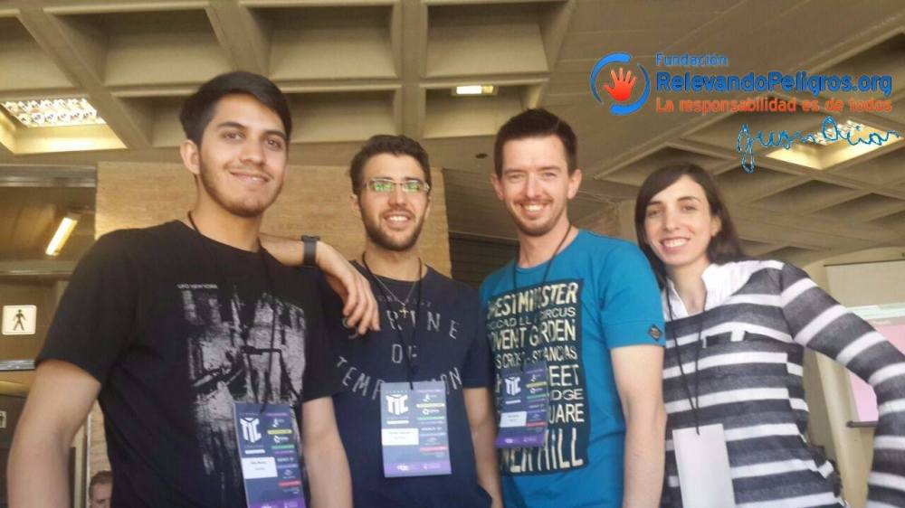 Alumnos de la Universidad Tecnológica Nacional, responsables del Proyecto JACIAR